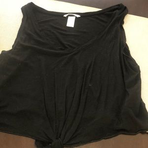 H&M black crop tee with knot tie front detail